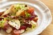 Rib Salada de tutano com tuberculos e pao tostado