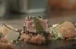rib Atum braseado com escabeche de legumes, molho agridoce e azeite de coentros