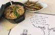 Petinga frita em farinha de milho c arroz de feijão vermelho