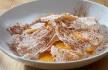 Gelado de canela com ovos moles e telhas