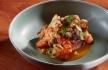 Salada de tataki de lombo de boi, gambas e lulas