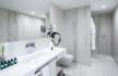 Tivoli Avenida Suite Bathroom
