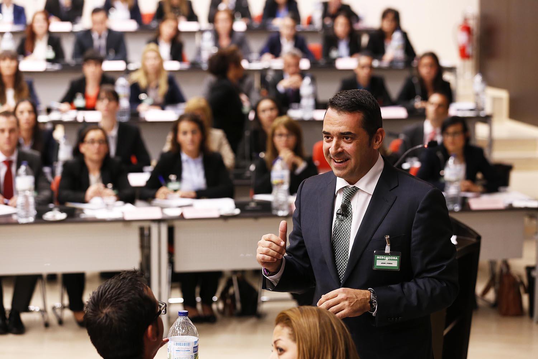 Mercadona contrata 120 quadros para Portugal
