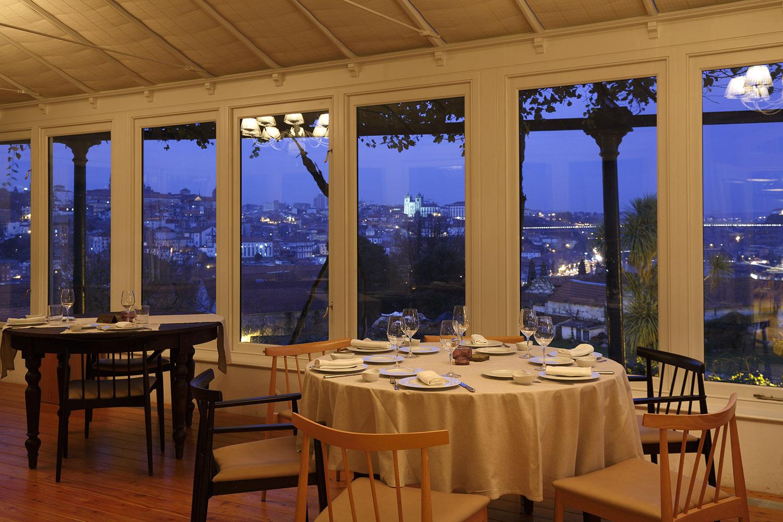 Fim de Ano no Vinum com vista privilegiada sobre o rio Douro