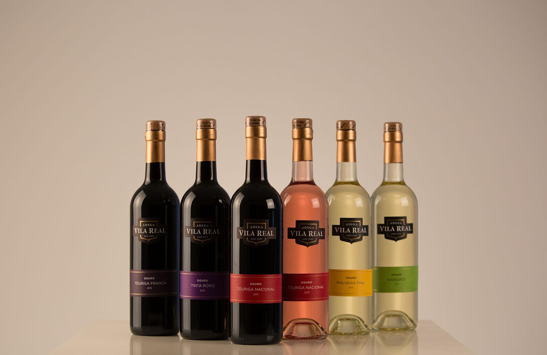 Maior seleção de vinhos monovarietais do douro