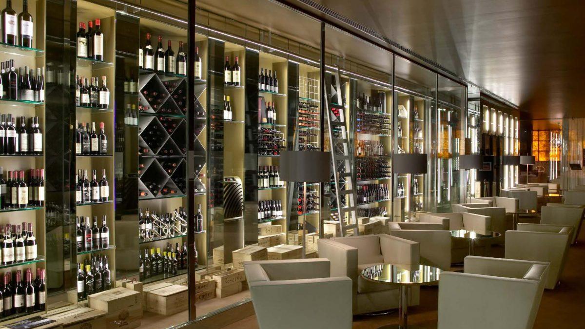 Leilão exclusivo de vinhos no Porto Palácio