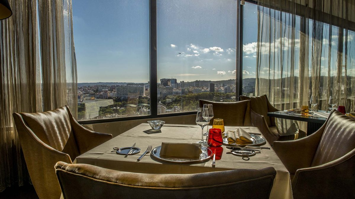 Sheraton Lisboa apresenta Vine & Dine Experience