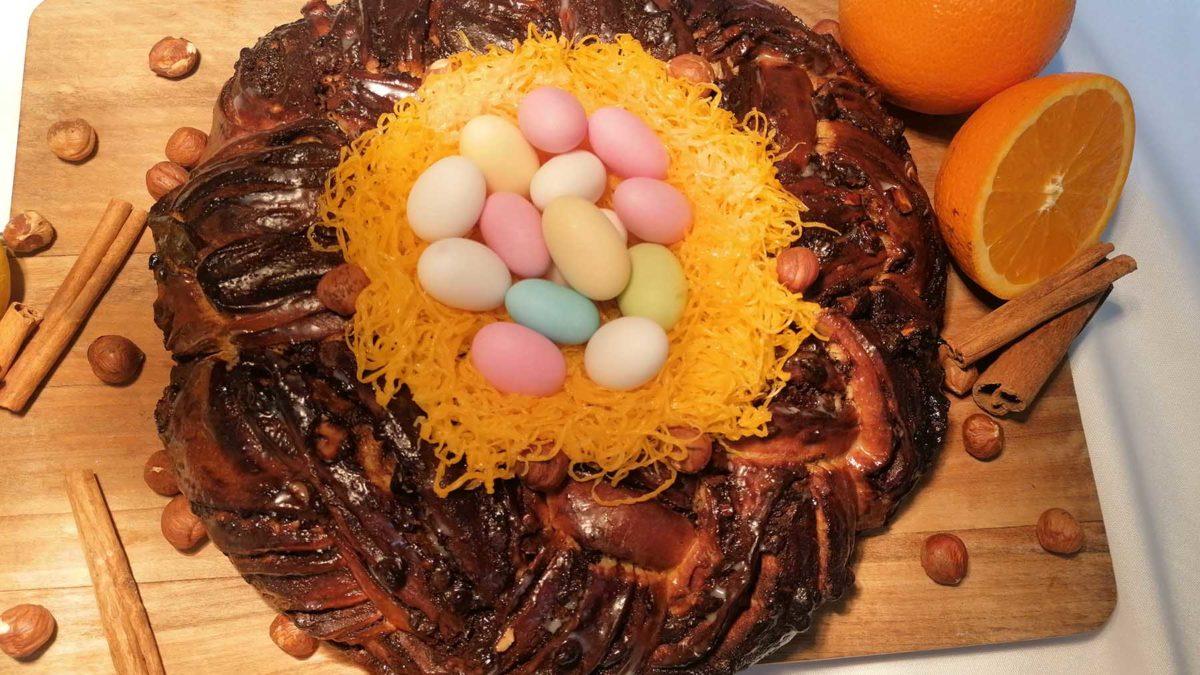 Receita de Folar de chocolate, amêndoas e laranja